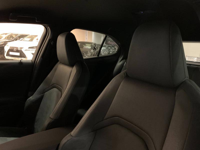 UX 250h 2WD Premium Edition MY21   LEXUS