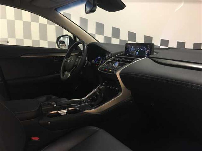 NX 300h 4WD Luxe MM19   LEXUS